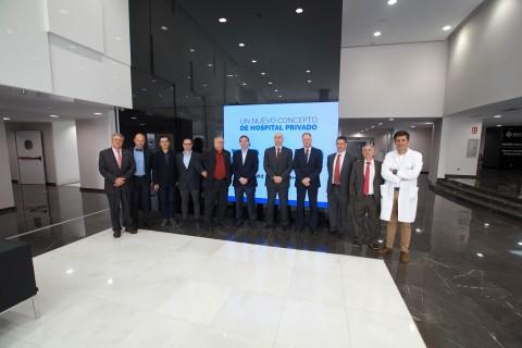 Foto de grupo de los cónsules en IMED Valencia