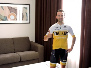 Héctor Barberá en la habitación de IMED Valencia